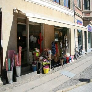Stil og masser af farver i design og tøjbutik K9