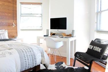 Forny soveværelset ved at rykke rundt på dine møbler